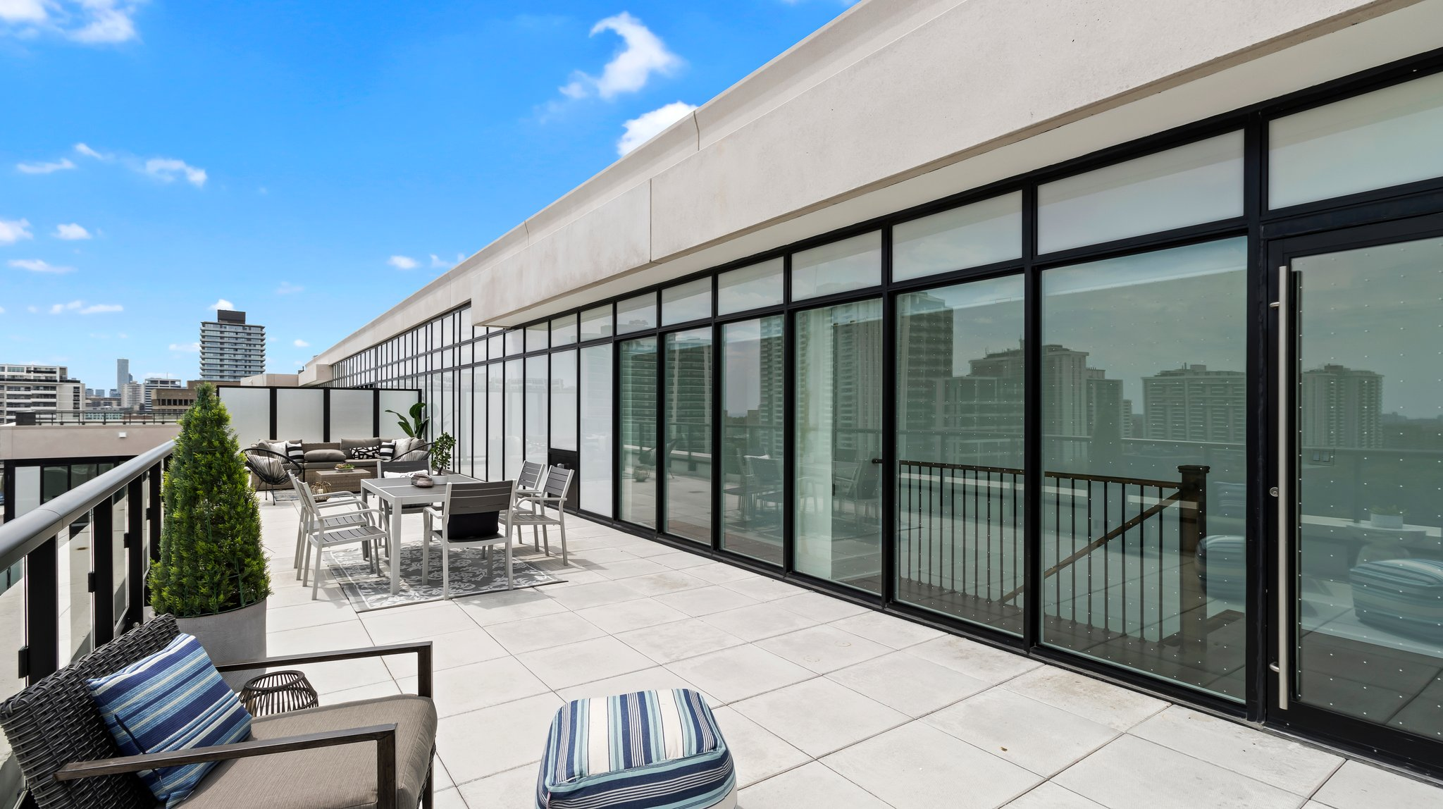 900sf Private Rooftop Terrace For PH01