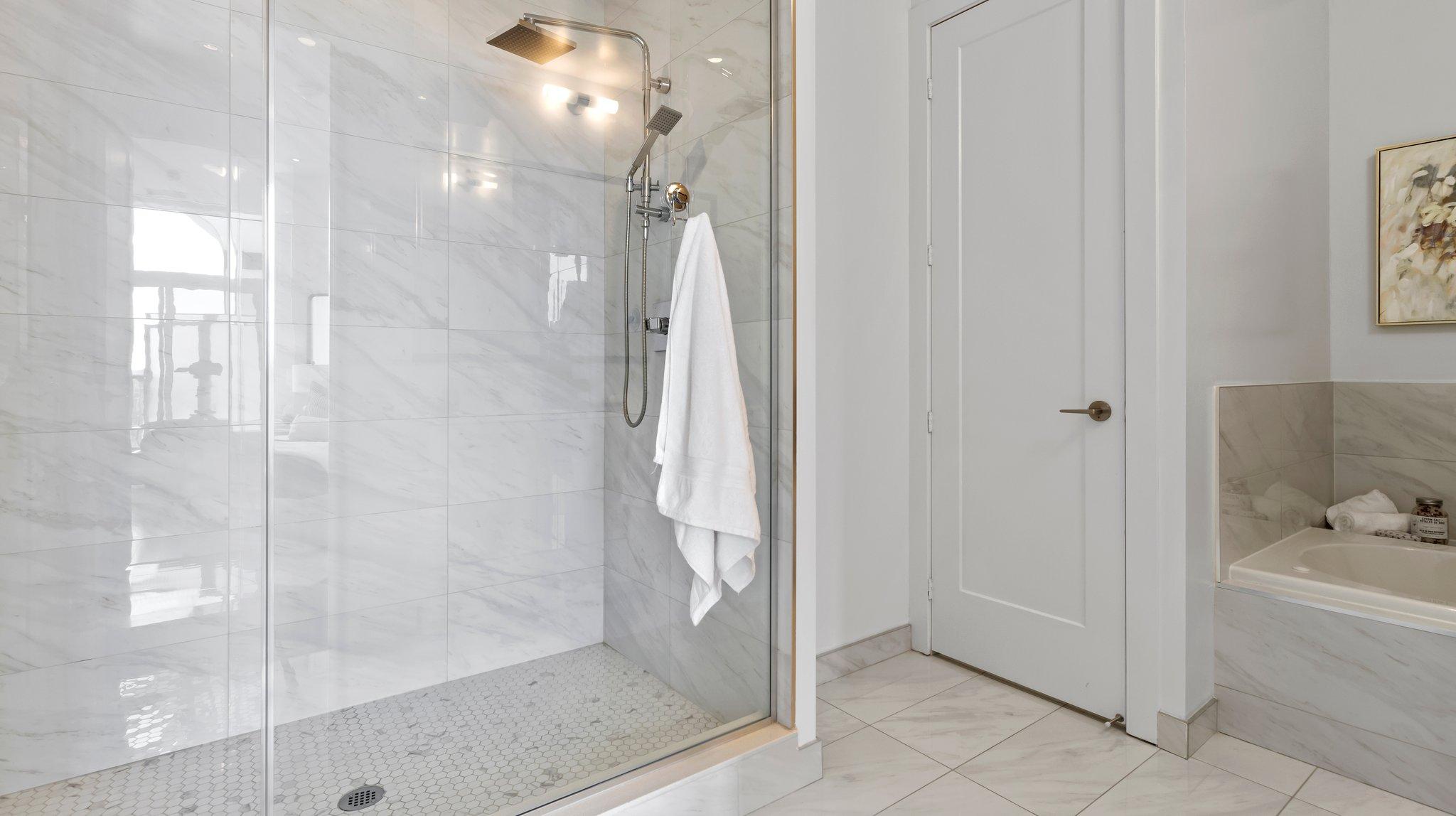 5-Piece Ensuite Bathroom