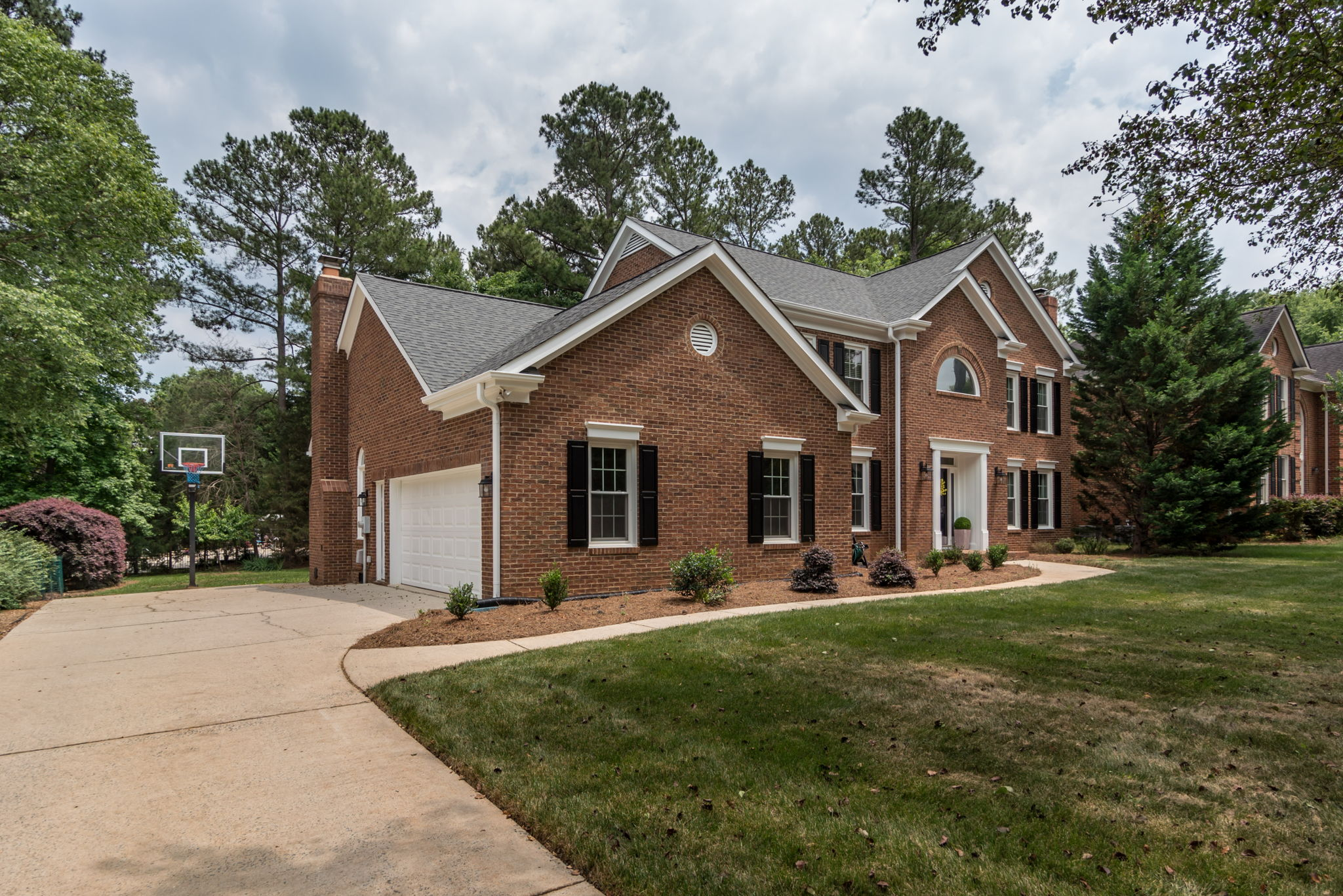 10105 Berkeley Forest Ln - Aryeo Tours