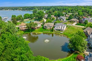 1046 Forest Bay Dr, Waterford Twp, MI 48328, USA Photo 15