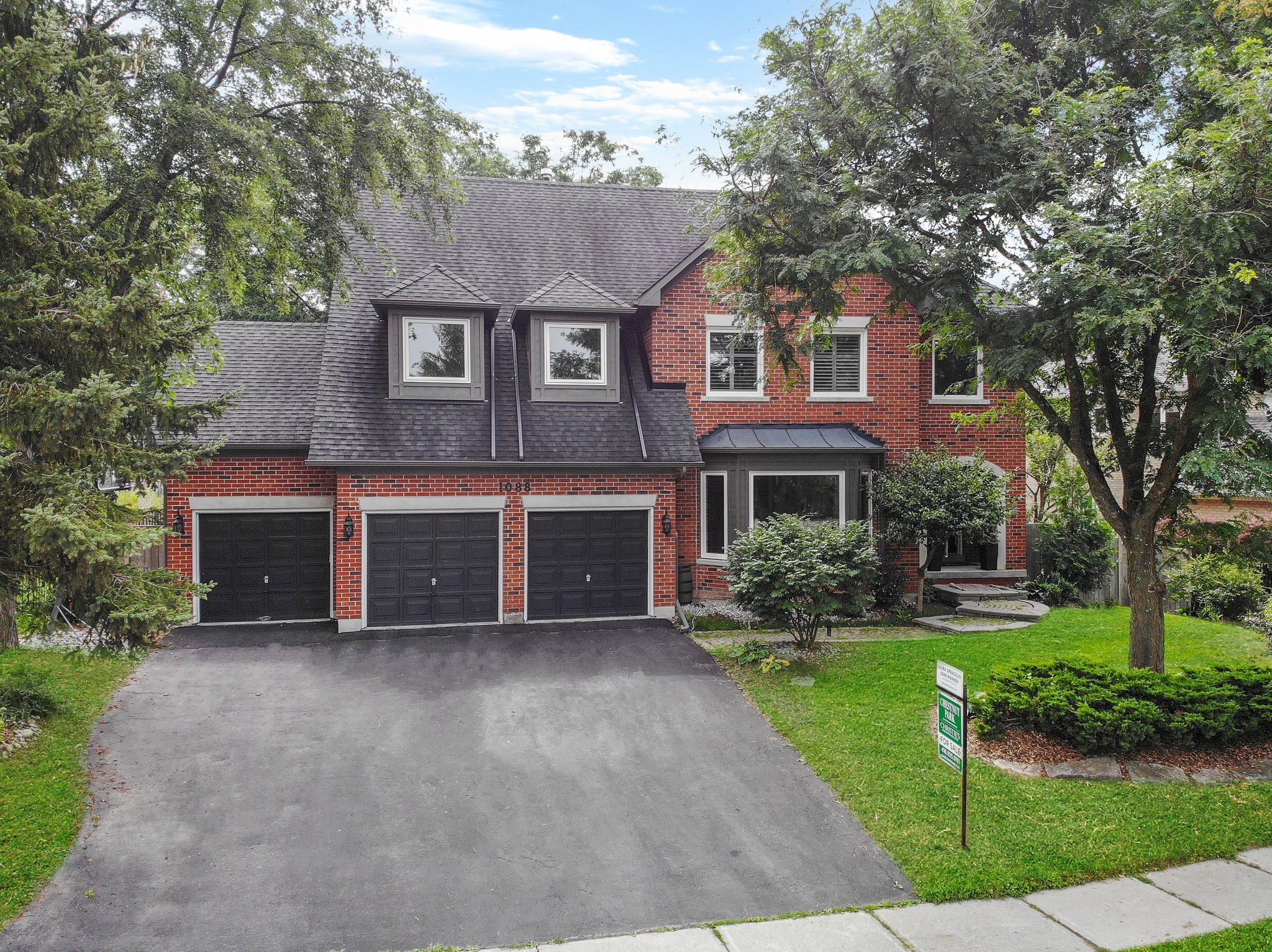 1088 Stonehaven Ave, Newmarket, ON L3X 1M7, Canada