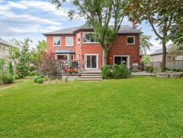 1088 Stonehaven Ave, Newmarket, ON L3X 1M7, Canada Photo 2