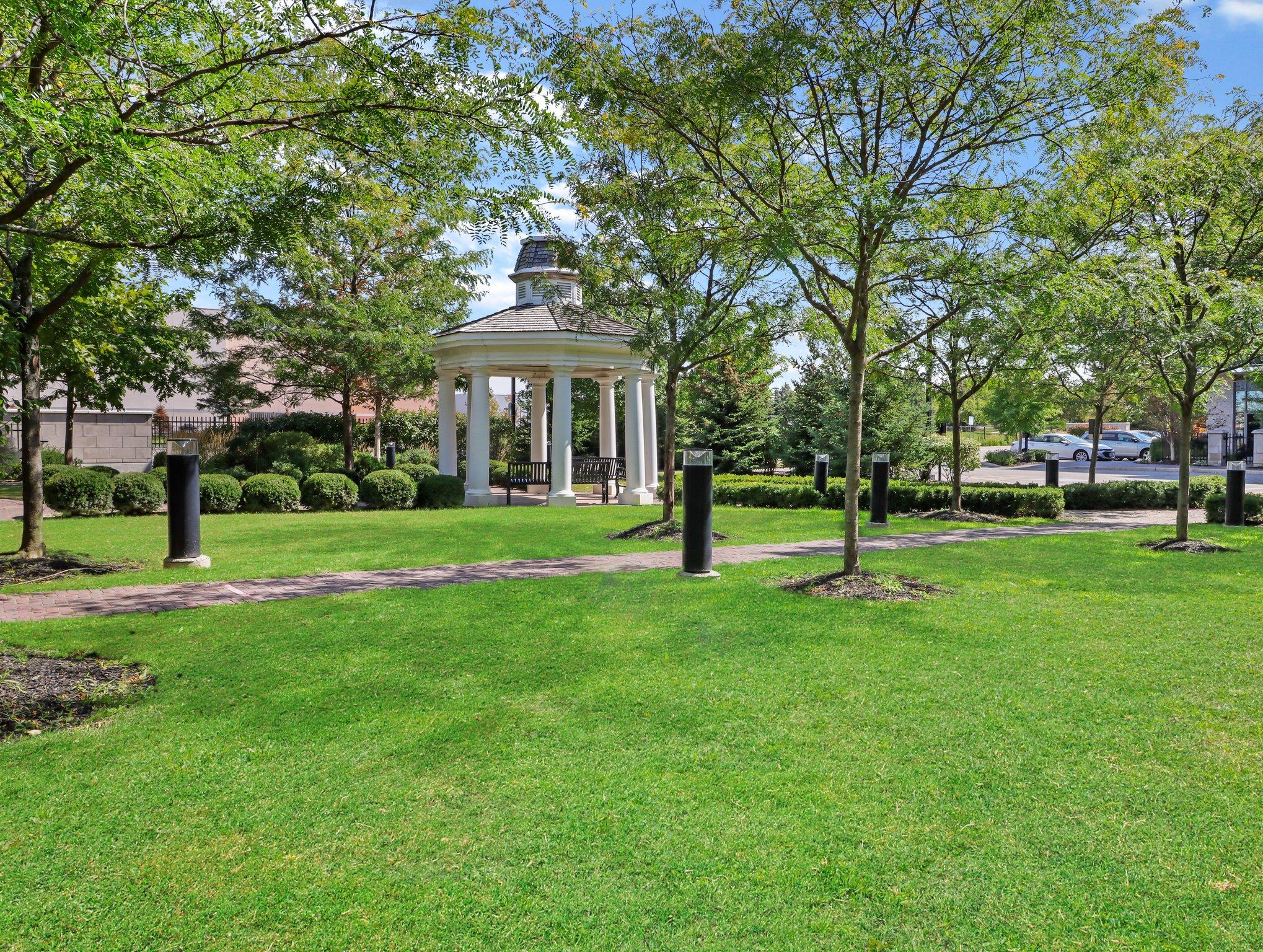 111 Civic Square Gate, Aurora, ON L4G 7E3, Canada Photo 22