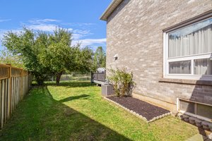 120 Large Crescent, Ajax, ON L1T 2S7, Canada Photo 22