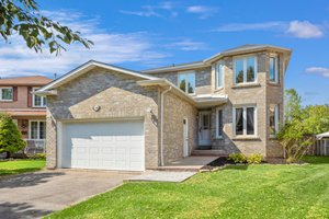 120 Large Crescent, Ajax, ON L1T 2S7, Canada Photo 0