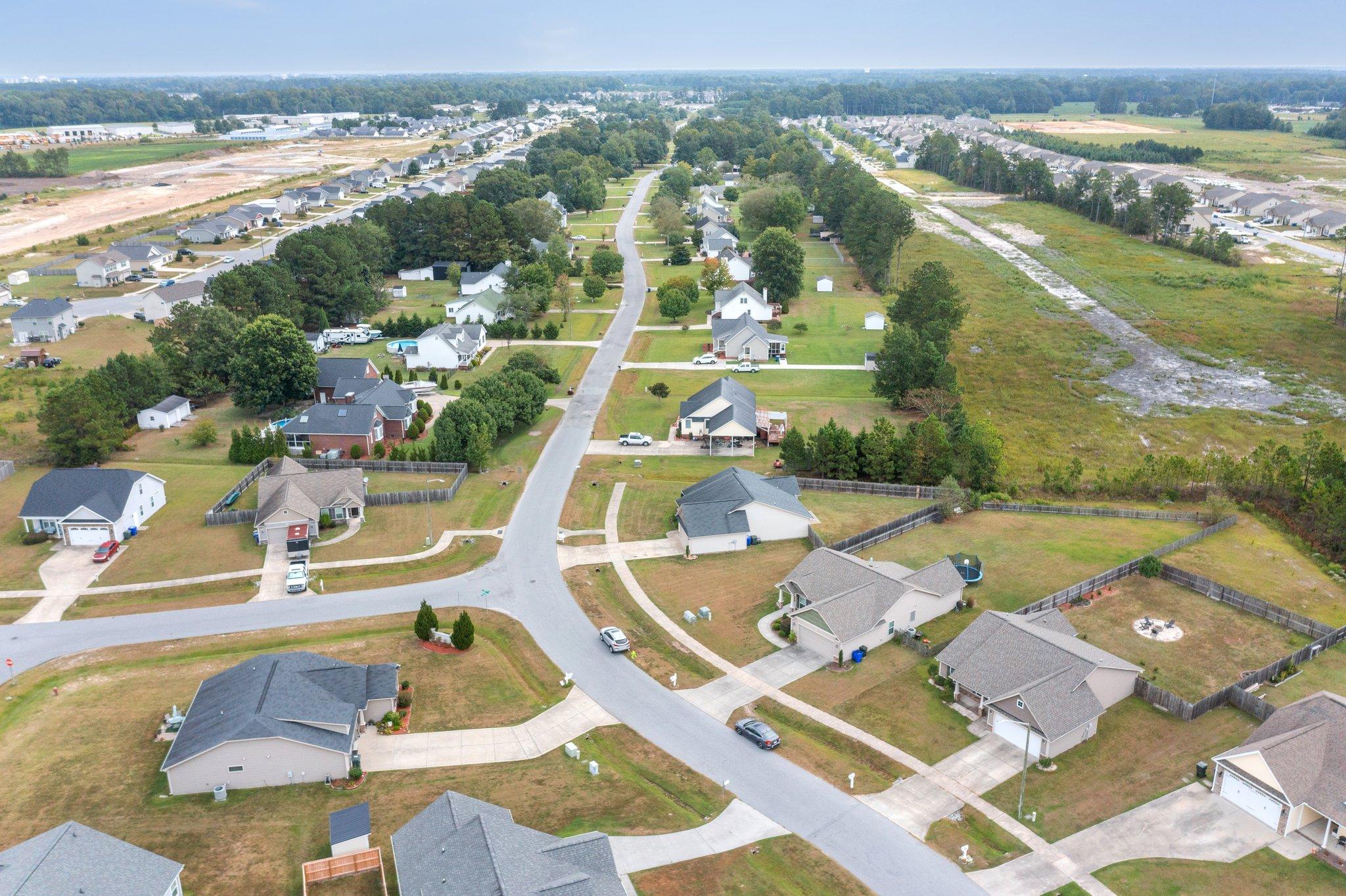 1205 Teakwood Dr, Greenville, NC 27834, USA Photo 4