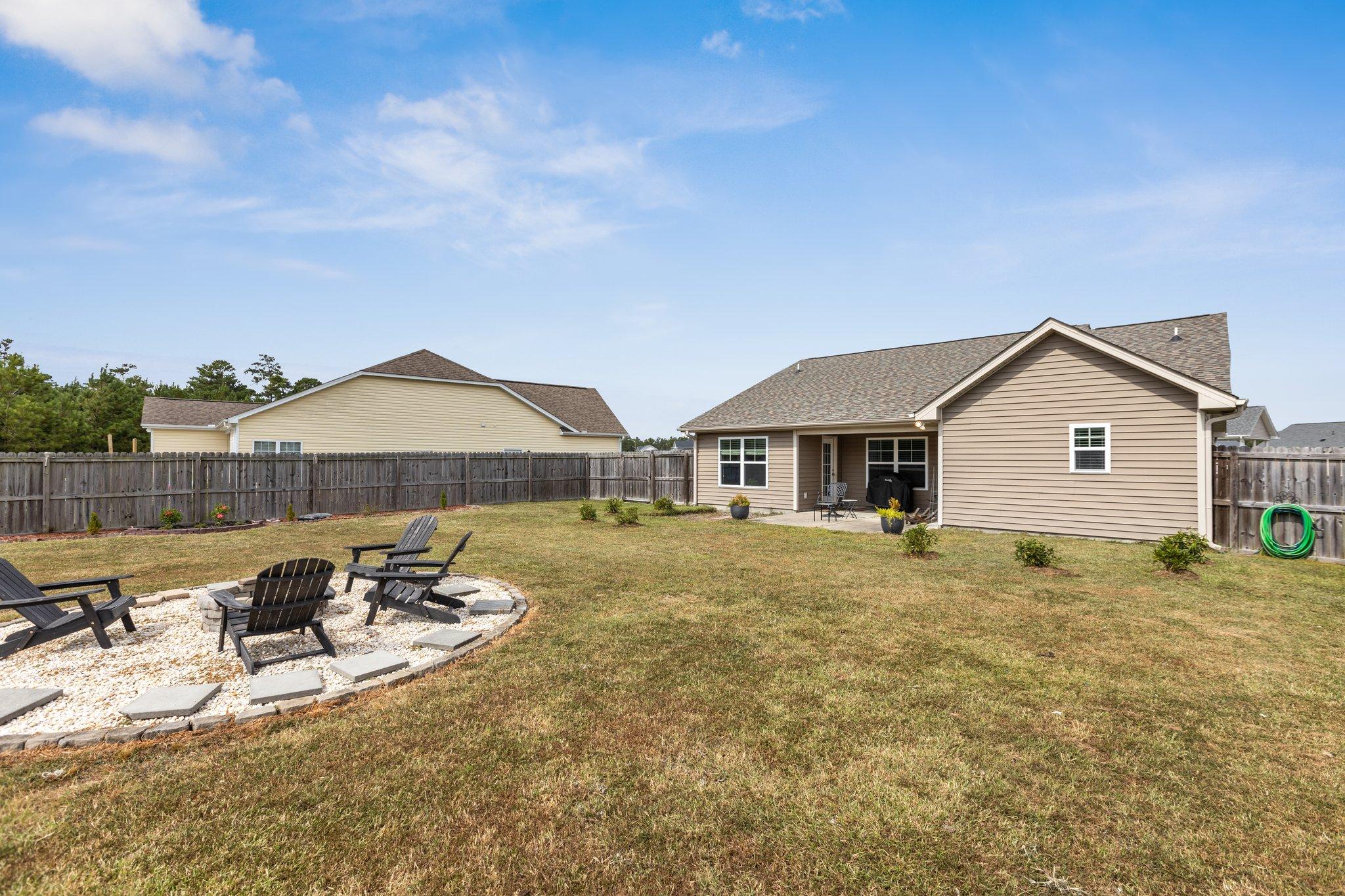 1205 Teakwood Dr, Greenville, NC 27834, USA Photo 31