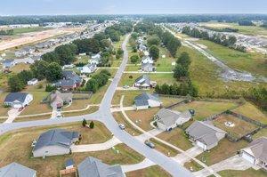 1205 Teakwood Dr, Greenville, NC 27834, USA Photo 3