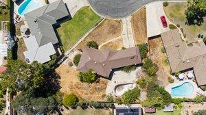 13132 Fairmont Way, Santa Ana, CA 92705, USA Photo 2