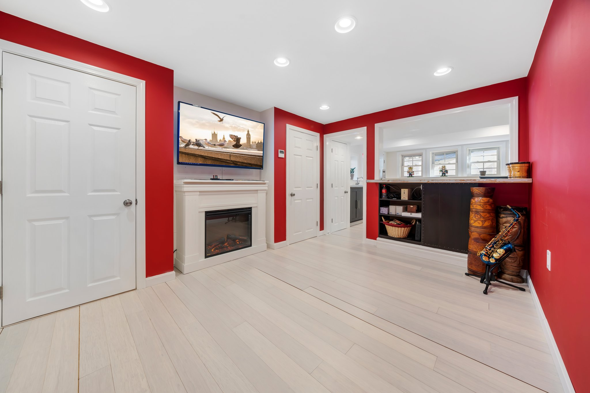 Basement space for whatever you want