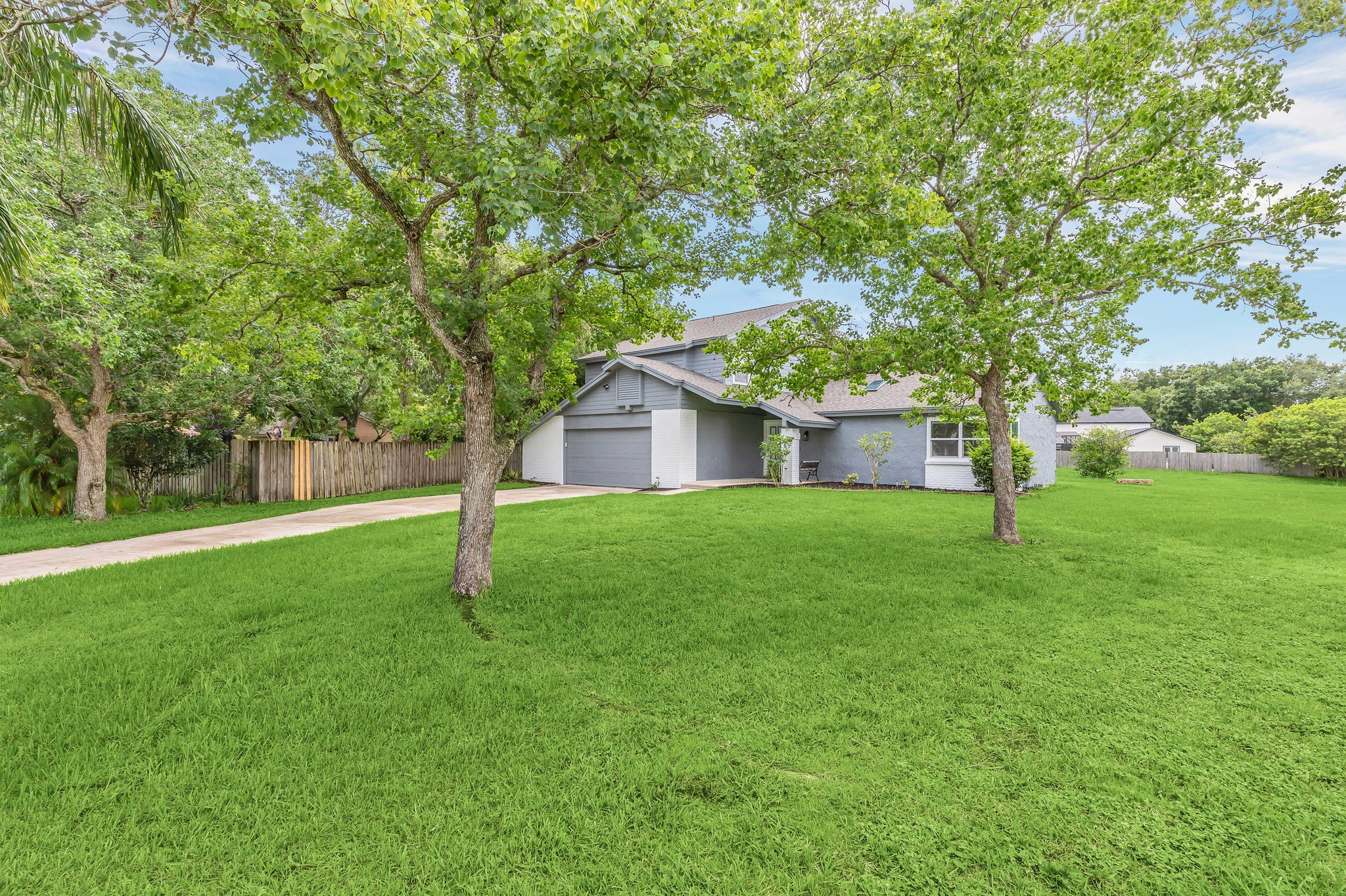 Cul-de-sac lot offers pie shaped boundary with ROOM  for a POOL!