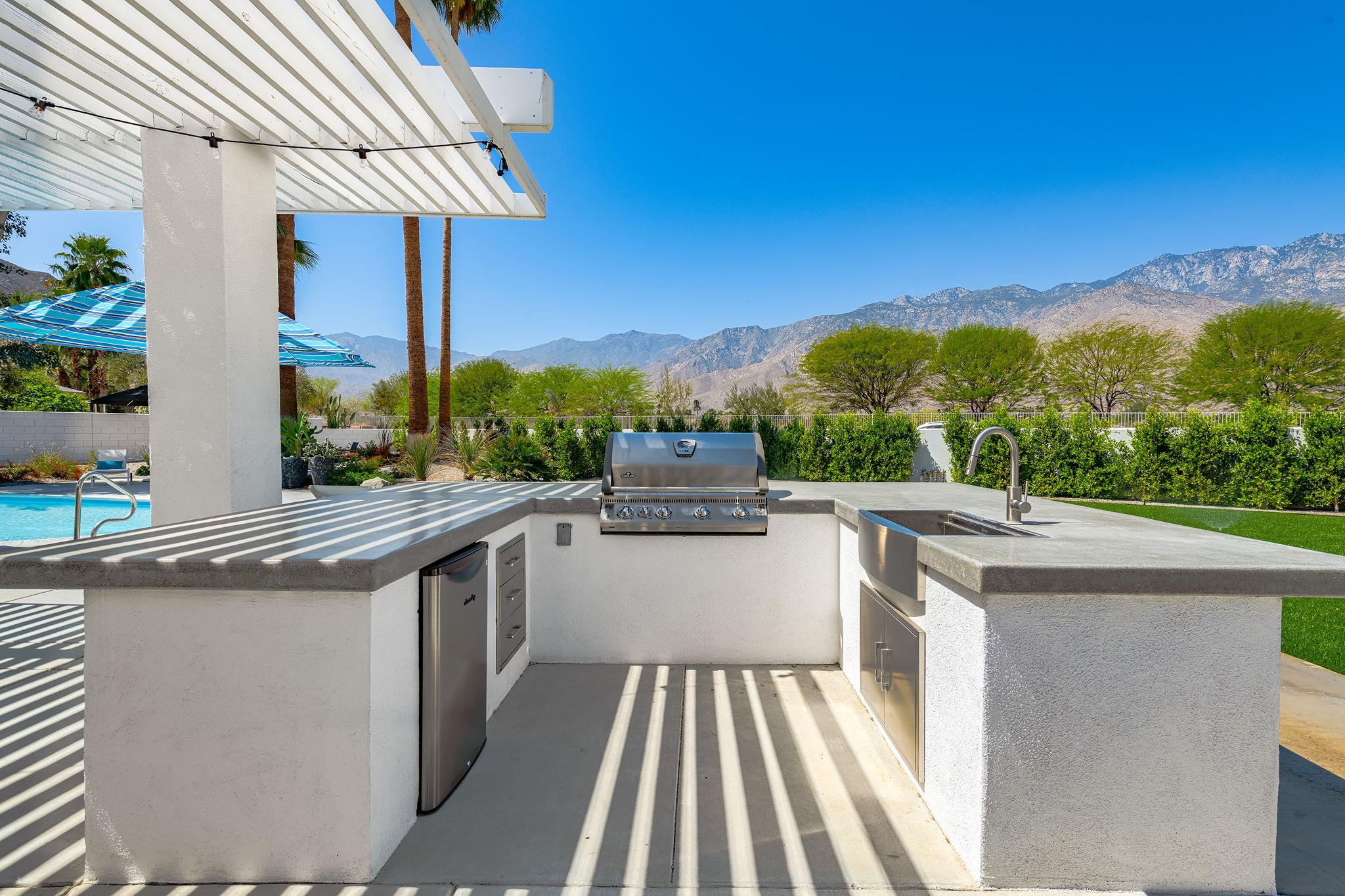 2086 S Barona Rd, Palm Springs, CA 92264, US Photo 11
