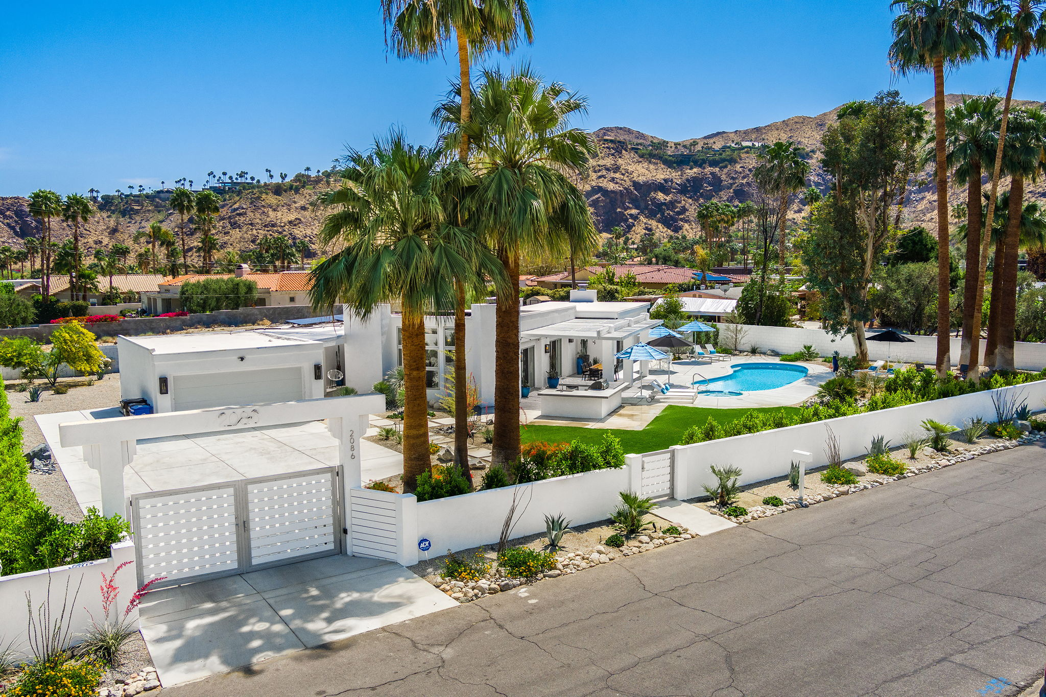 2086 S Barona Rd, Palm Springs, CA 92264, US