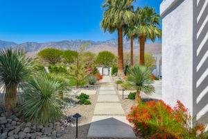 2086 S Barona Rd, Palm Springs, CA 92264, US Photo 13
