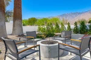 2086 S Barona Rd, Palm Springs, CA 92264, US Photo 8