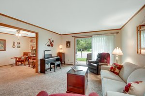 2210 Midland Grove Rd, Roseville, MN 55113, USA Photo 9