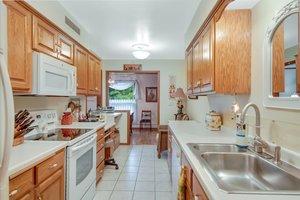 2210 Midland Grove Rd, Roseville, MN 55113, USA Photo 4