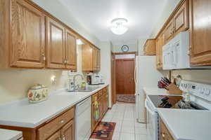 2210 Midland Grove Rd, Roseville, MN 55113, USA Photo 5