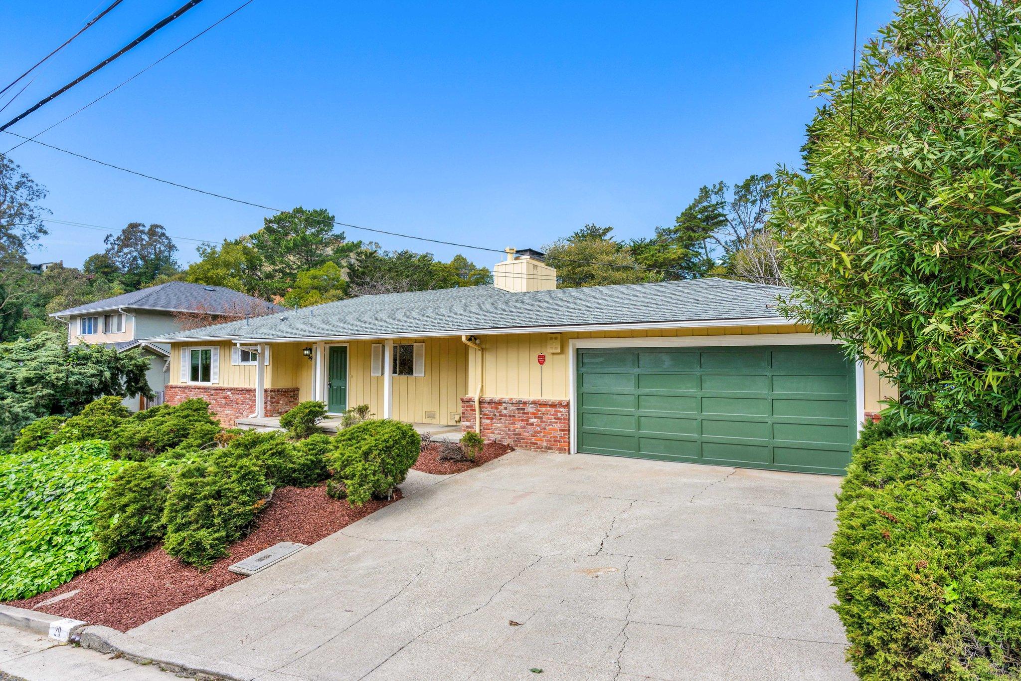 29 Woodcrest Cir, Oakland, CA 94602, US
