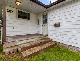 307 Parkwood Ave, Keswick, ON L4P 2X4, Canada Photo 4