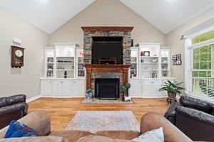 324 Saffron Ct, Sanford, NC 27330, USA Photo 6