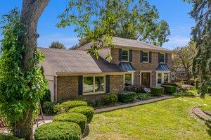 36875 Chesapeake Rd, Farmington Hills, MI 48335, USA Photo 2