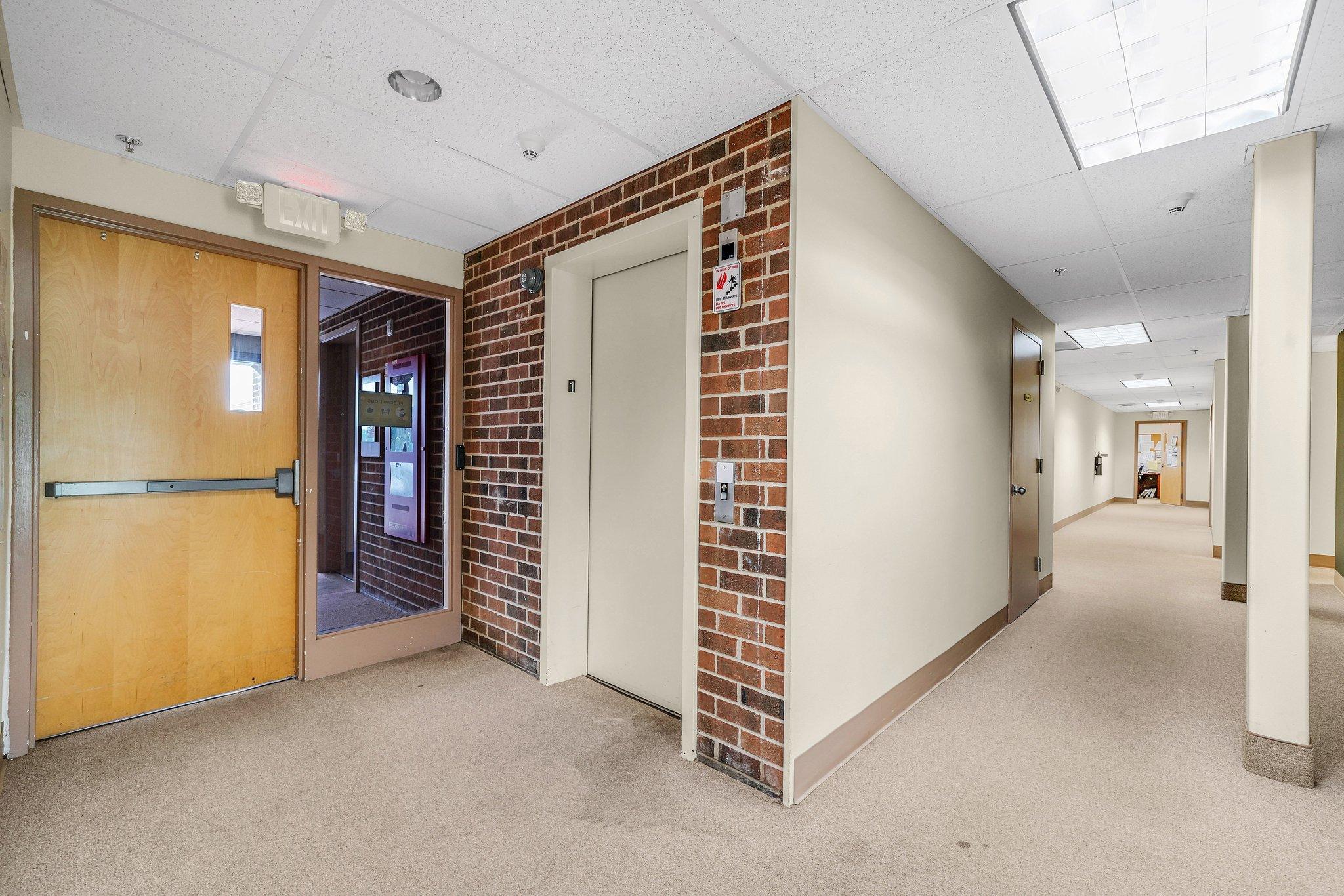 Elevator, common hallway