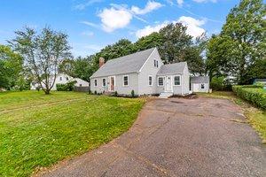 40 Howe St, Quincy, MA 02169, USA Photo 1