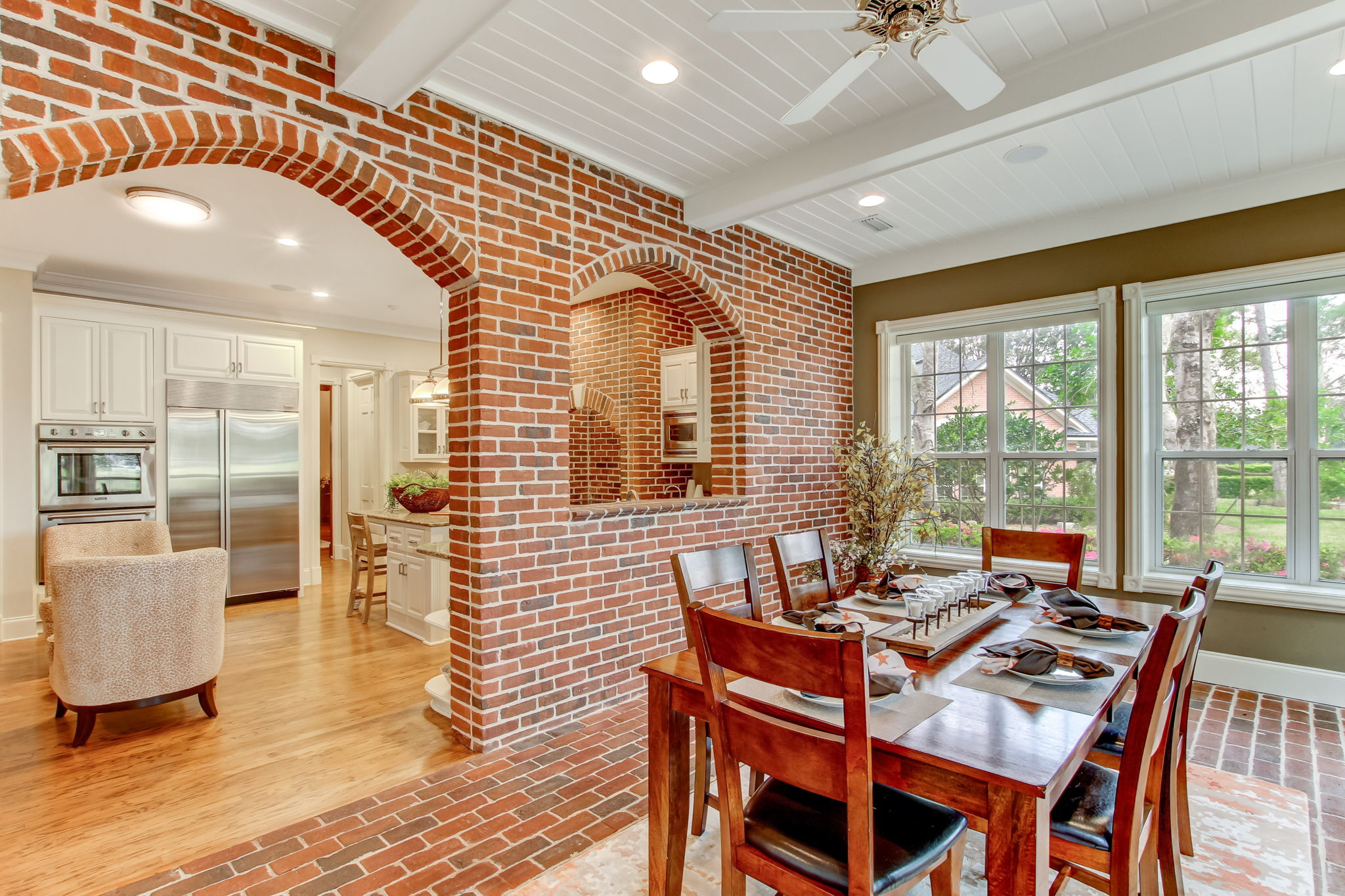 Casual Dining in Sunroom