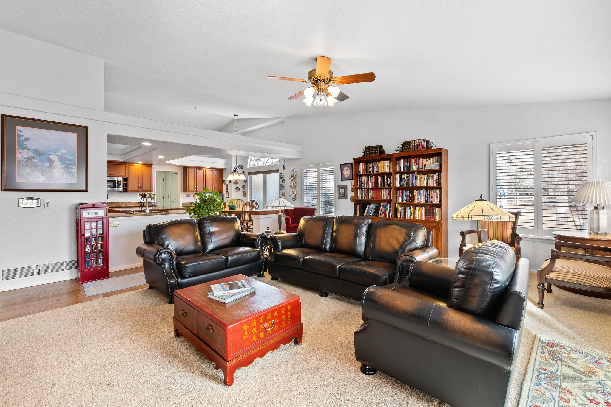 Large family room for all to enjoy