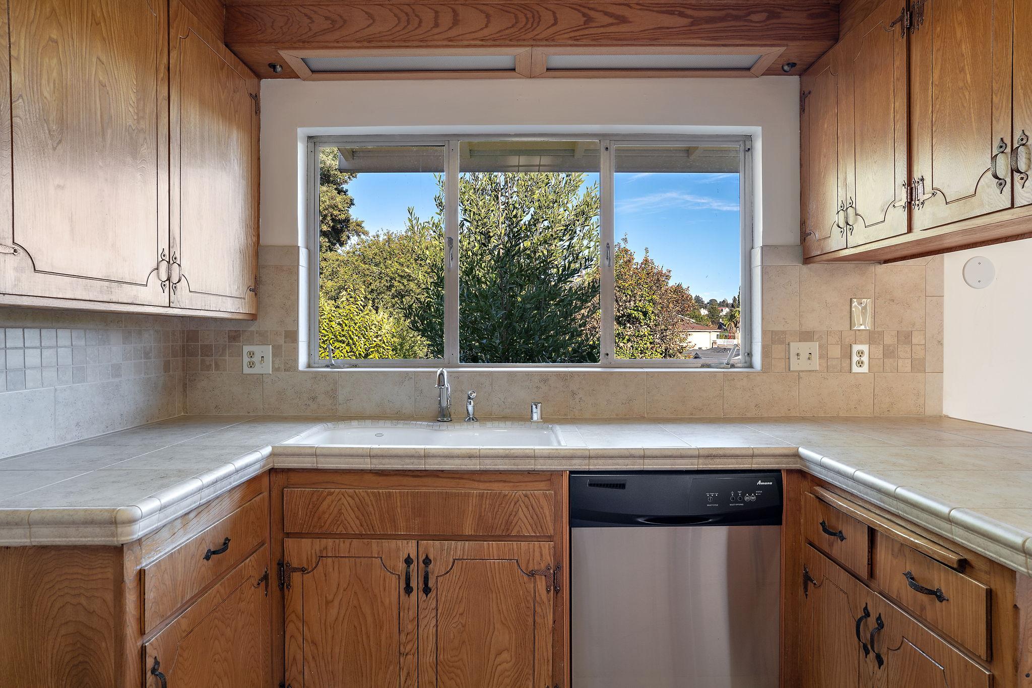 5026 Tyler Ln, Castro Valley, CA 94546, US Photo 30