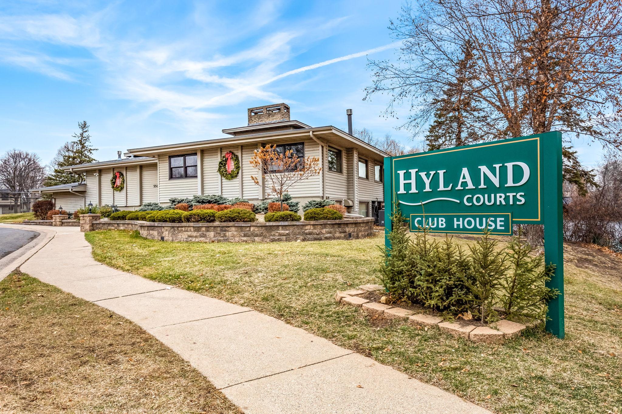 5457 Hyland Courts Dr, Minneapolis, MN 55437, US Photo 41
