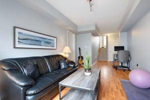 5980 Whitehorn Ave, Mississauga, ON L5V 2Y4, Canada Photo 29