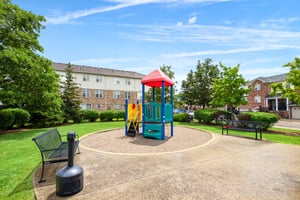 5980 Whitehorn Ave, Mississauga, ON L5V 2Y4, Canada Photo 34