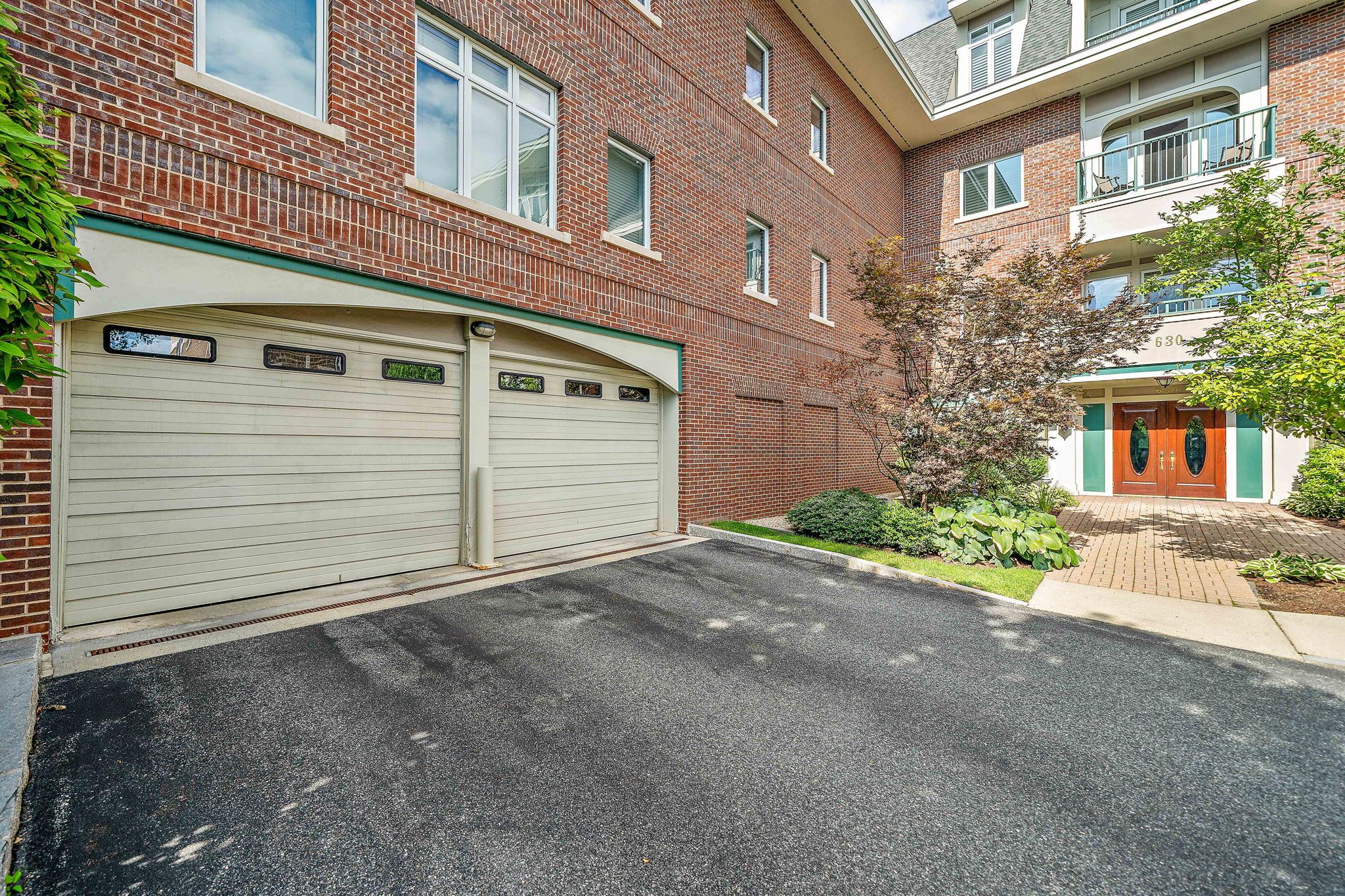 630 Hammond St 104, Brookline, MA 02467, US Photo 38