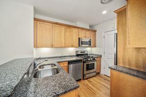 630 Hammond St 104, Brookline, MA 02467, US Photo 11