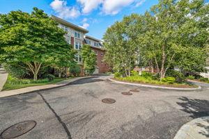 630 Hammond St 104, Brookline, MA 02467, US Photo 39