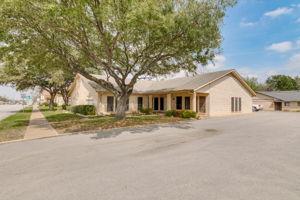 700 N. Main Street, Taylor, TX 76574, US Photo 1