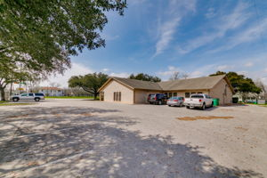 700 N. Main Street, Taylor, TX 76574, US Photo 38