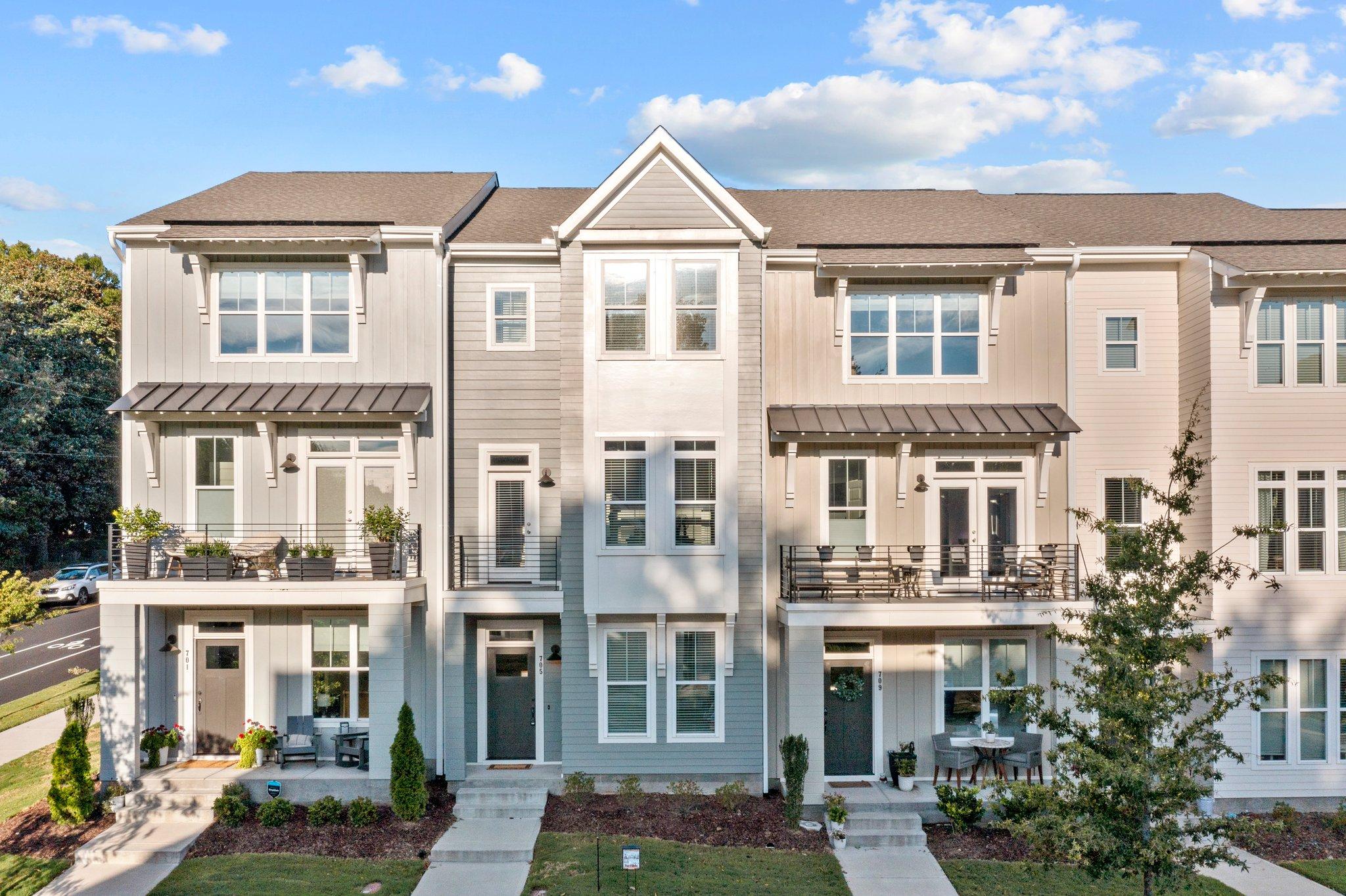 705 Peakland Pl, Raleigh, NC 27604, USA
