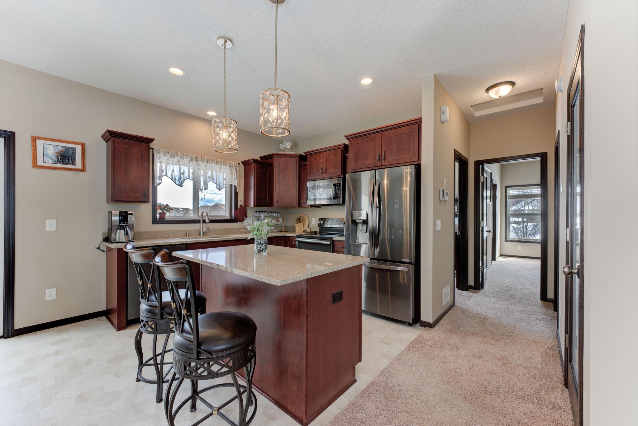 Kitchen Breakfast Bar Granite Counters Pantry