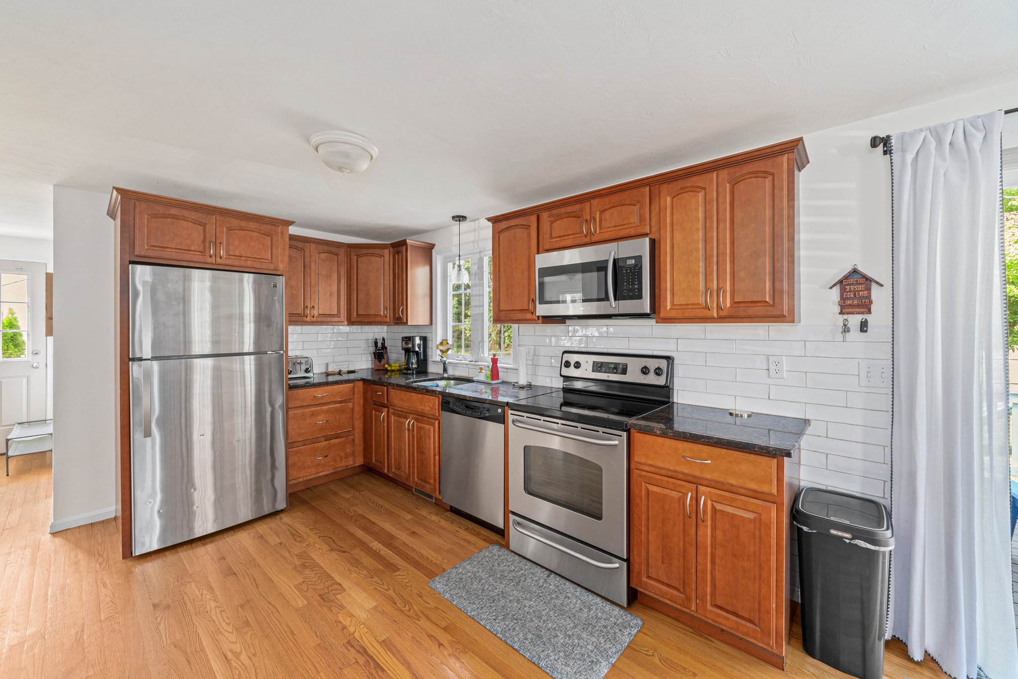 79 Joyce Ave, Whitman, MA 02382, USA Photo 4