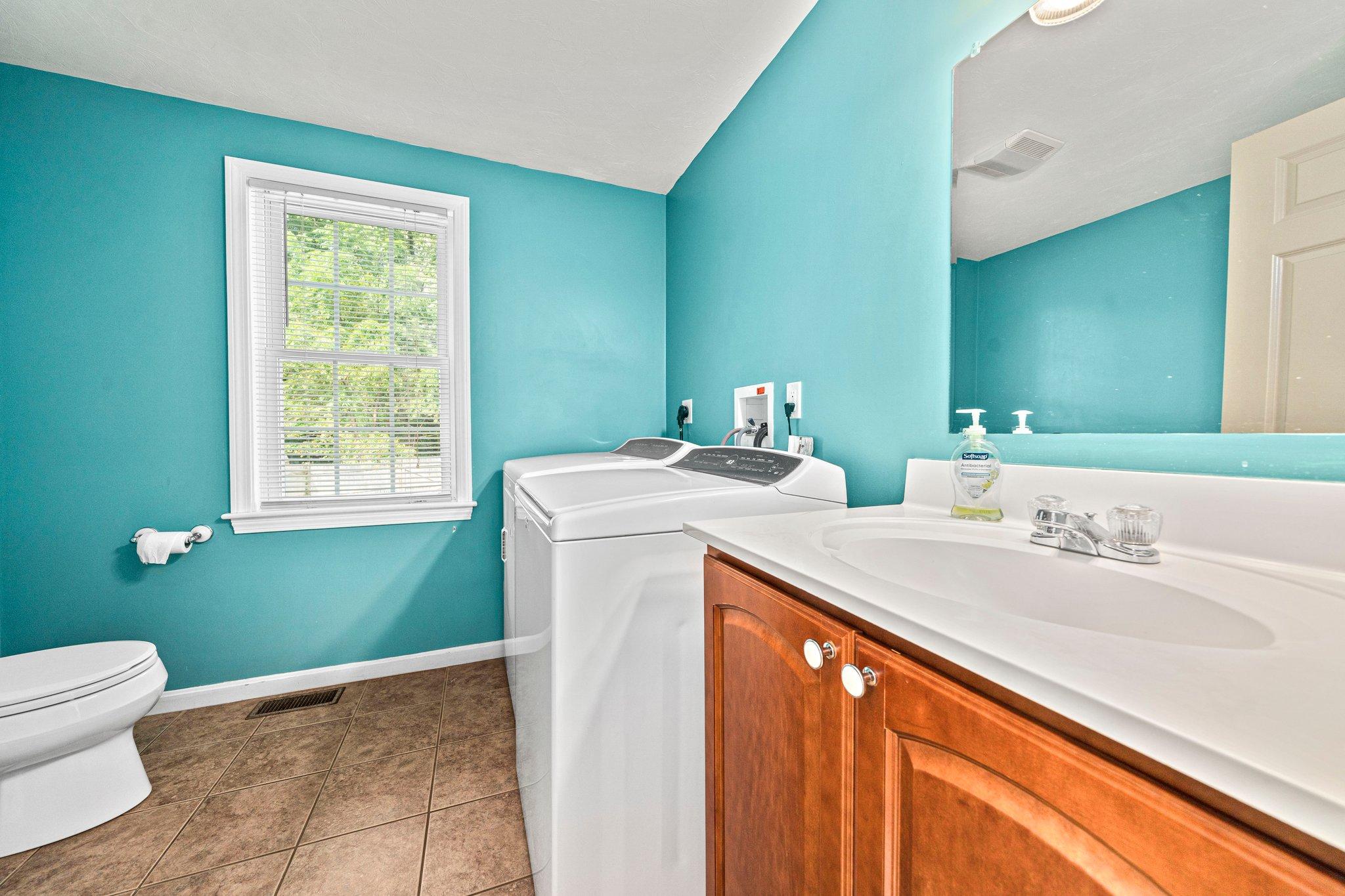 79 Joyce Ave, Whitman, MA 02382, USA Photo 9