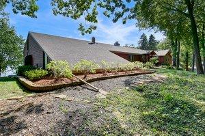 8 Poplar Ln, North Oaks, MN 55127, USA Photo 3