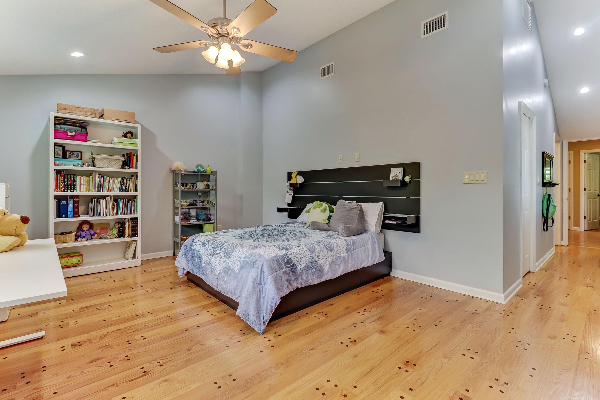 Bedroom 5 (2nd Master Suite)