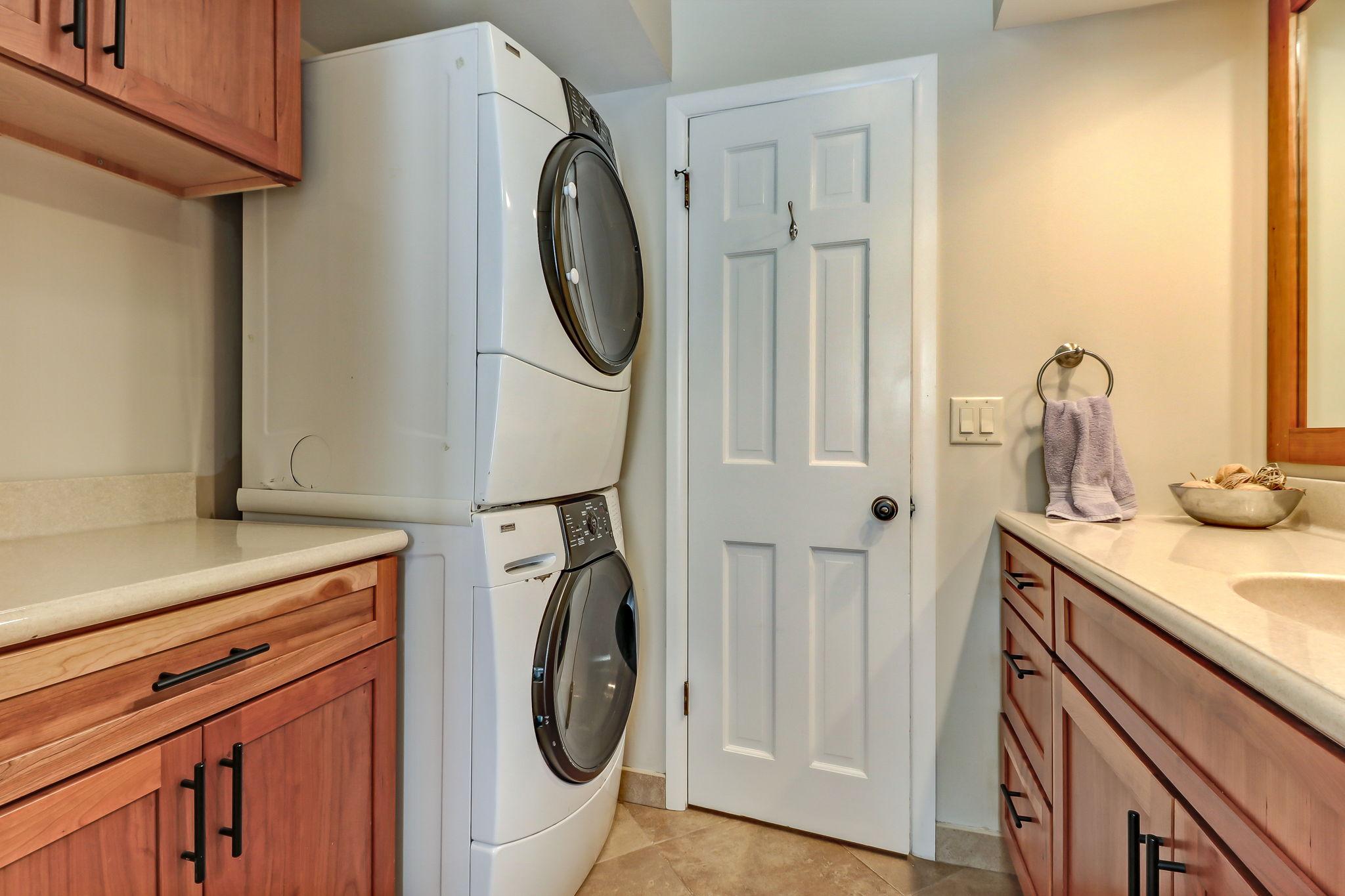 Bathroom 3/ Laundry Area