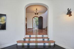 8328 Marmont Ln, Los Angeles, CA 90069, US Photo 5