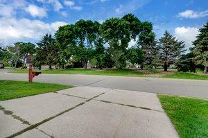 8700 Kilbirnie Terrace, Minneapolis, MN 55443, USA Photo 34