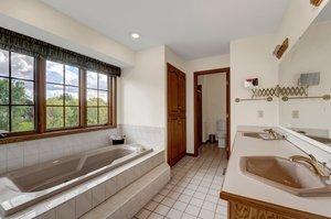 8700 Kilbirnie Terrace, Minneapolis, MN 55443, USA Photo 29