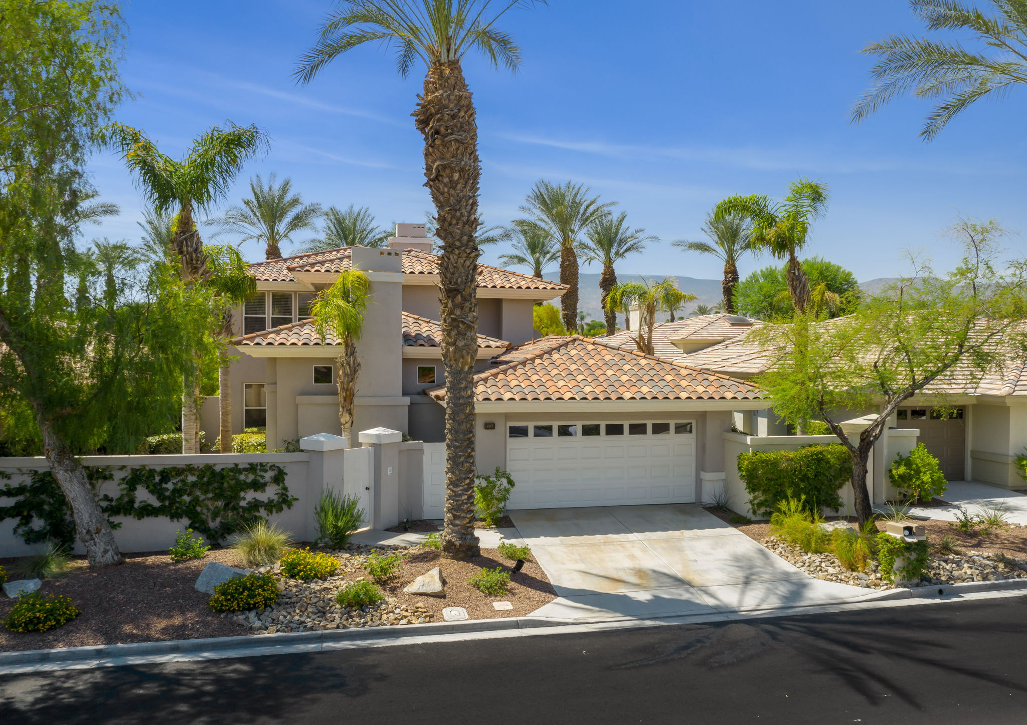 887 Red Arrow Trail, Palm Desert, CA 92211, US